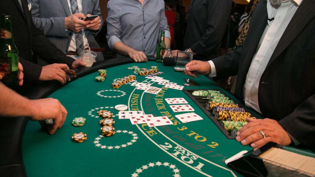 blackjack vs slots